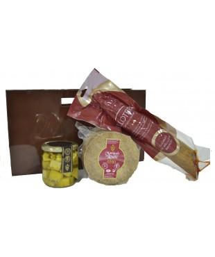 Lote nº 21:  Queso Añejo 1kg. + Tarro de Queso Curado de Oveja en Aceite de Oliva + Chorizo Ibérico de Bellota 500gr.