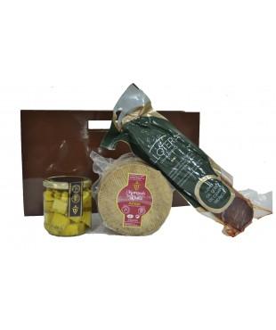 Lote nº 23:  Queso Añejo 1kg. + Tarro de Queso Curado de Oveja en Aceite de Oliva + Lomo de Cebo de Campo Ibérico 500gr.